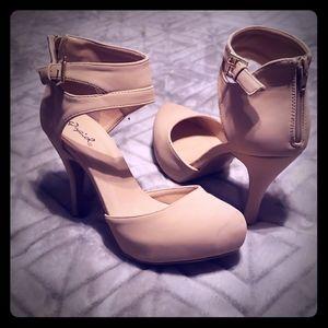 """Qupid cream 4"""" heels"""